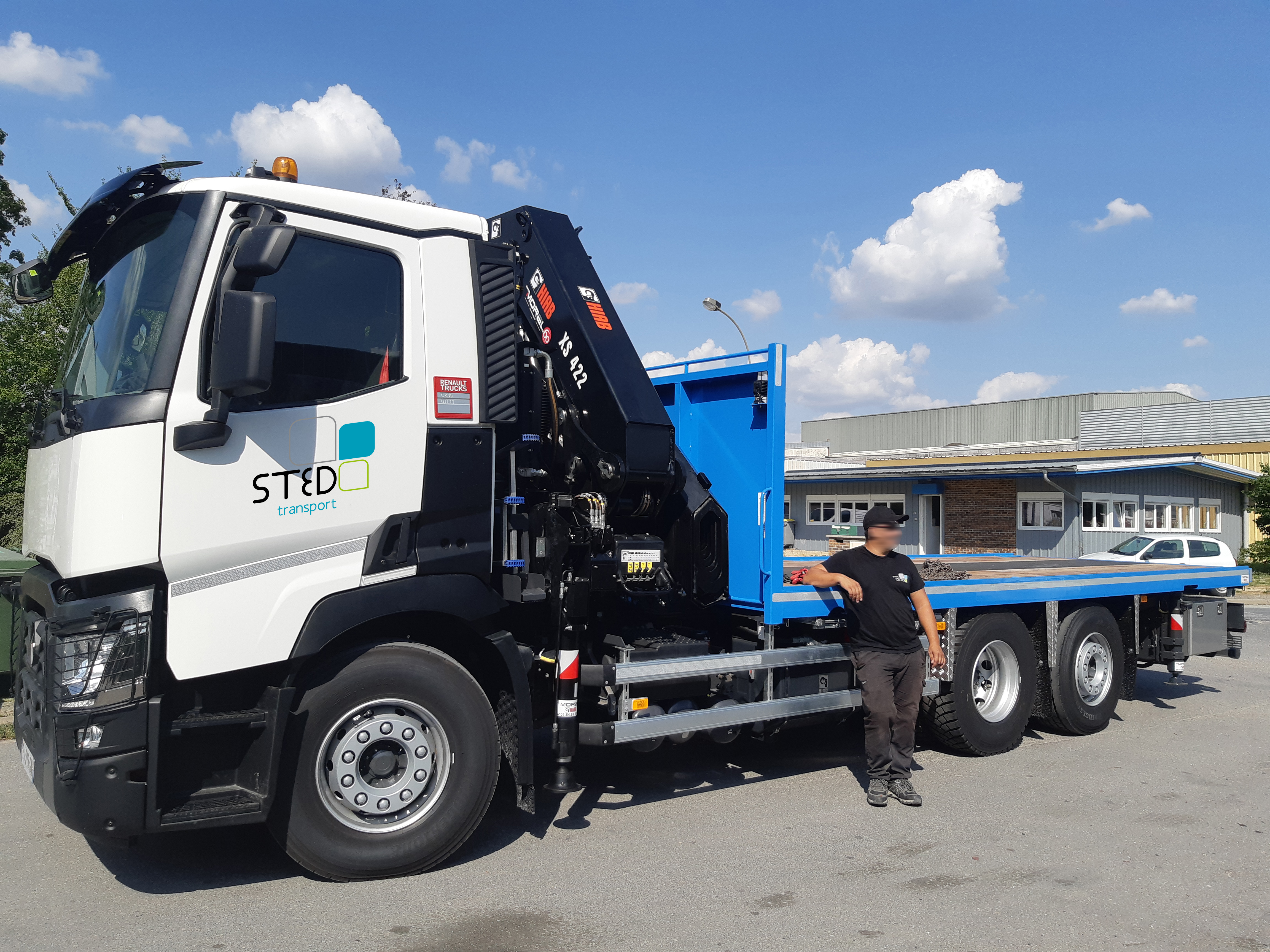 Nouveau-Renault-Porte-engins-STED-Transport